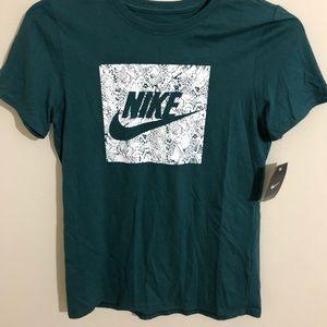 Nike | Women's Graphic T-shirt